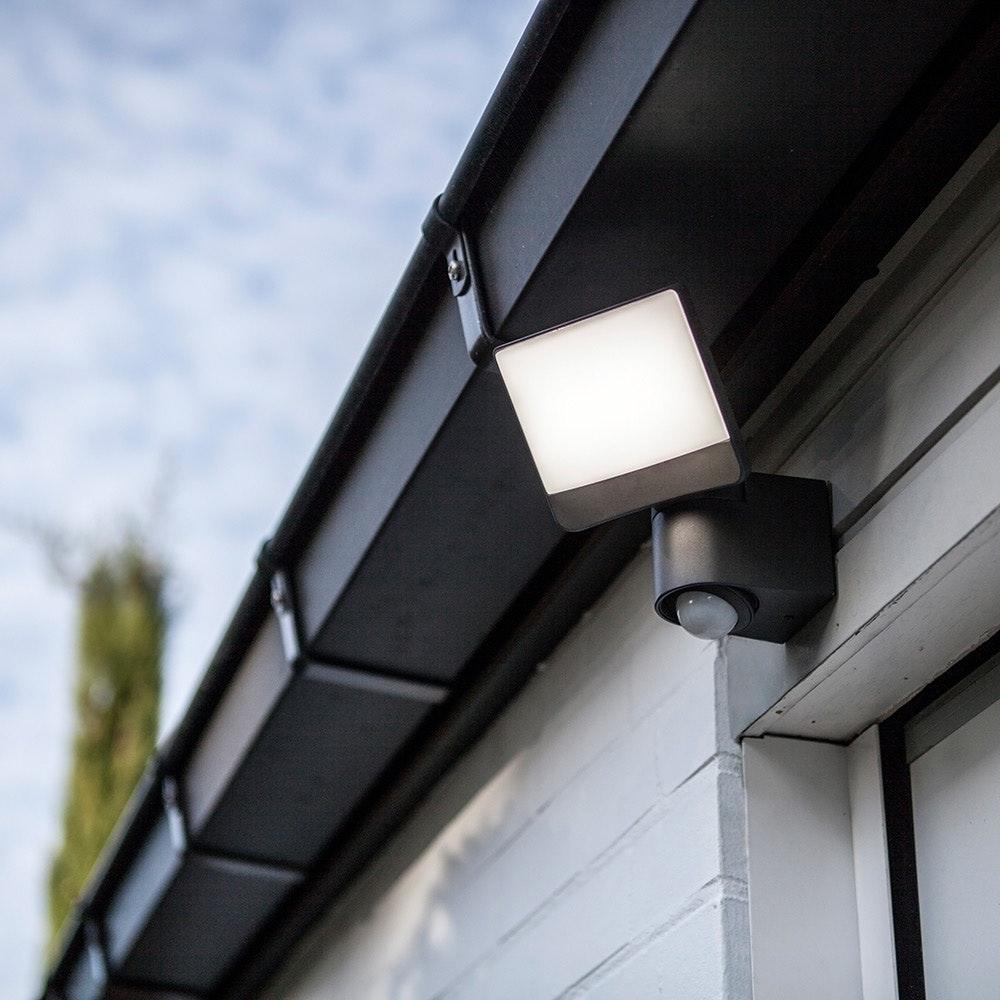 LED Außenstrahler Sunshine mit Sensor IP44 Anthrazit 1